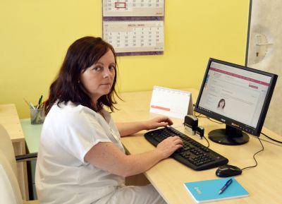 Otázky týkající se zdraví prsů zodpovědí odborníci Nemocnice Prostějov v nové online poradně