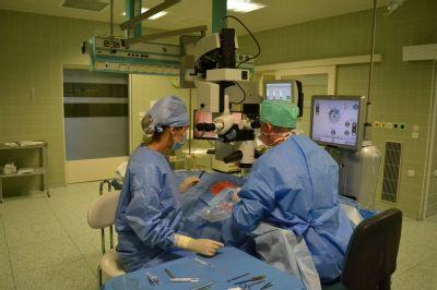 Nový operační mikroskop má oční oddělení Nemocnice Prostějov