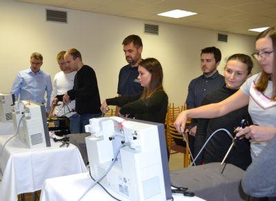 Chirurgové z celého Česka si zdokonalují operační dovednosti na workshopu v Nemocnici Prostějov