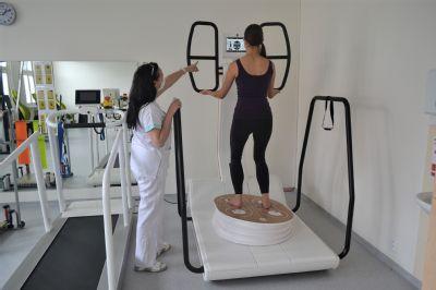 Při rehabilitacích pacienti využívají také virtuální realitu. Prostějovská nemocnice investovala do nových přístrojů přes 20 milionů korun