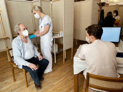 Zdravotníci Nemocnice AGEL Prostějov aplikovali ve velkokapacitním očkovacím centru přes 70 000 vakcín